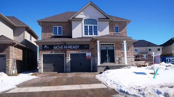 Move-in Ready - nice home on Sundew!